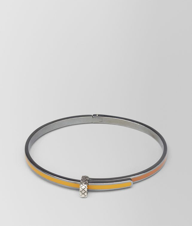 BOTTEGA VENETA BRACELET IN OCRE SILVER AND LEATHER ENAMEL WITH INTRECCIATO DETAIL Bracelet D fp