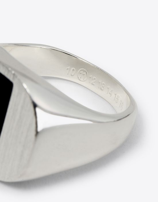 MAISON MARGIELA Silver and onyx ring Ring Man d