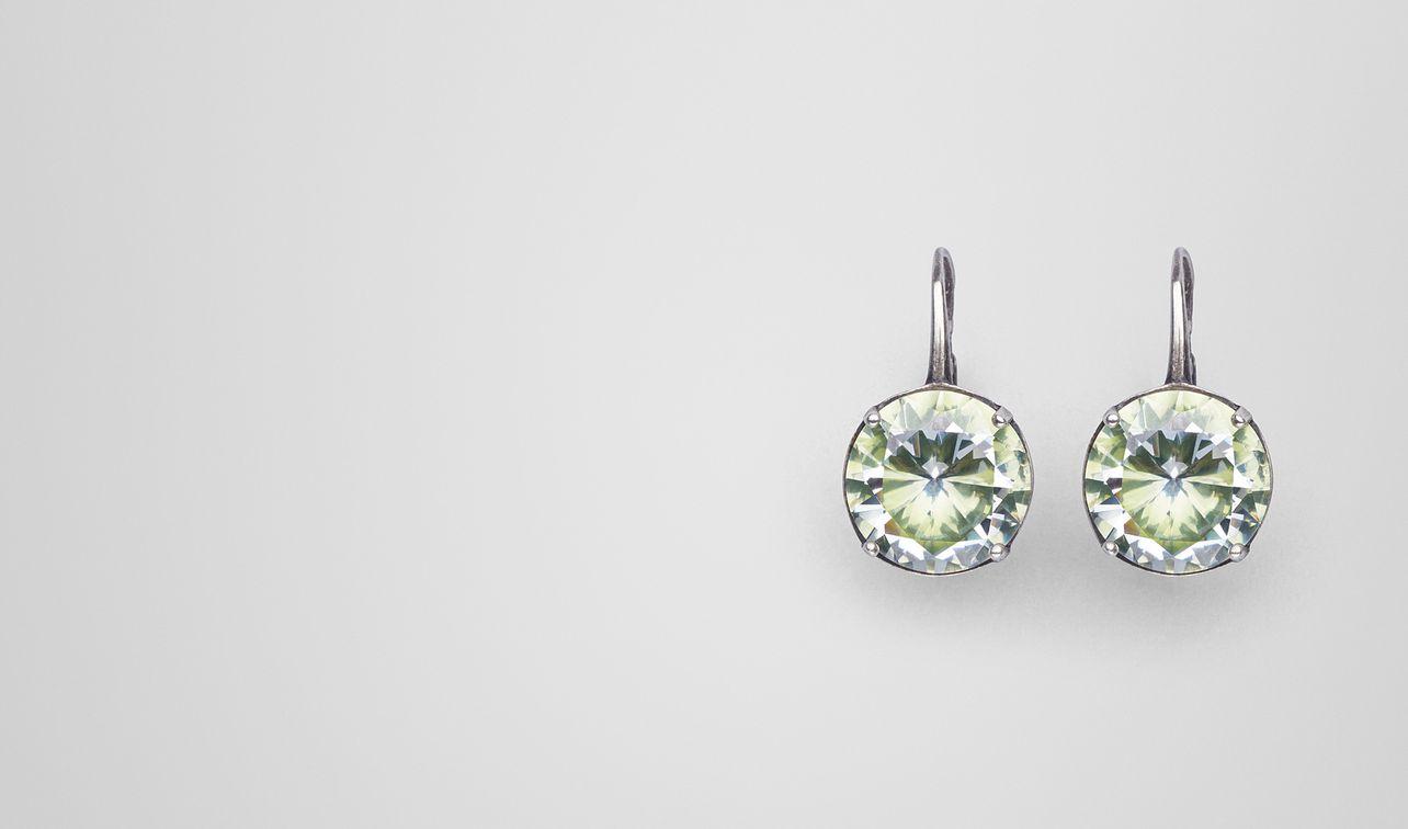 boucles d'oreilles en argent oxydé/zircon cubique chamomile landing