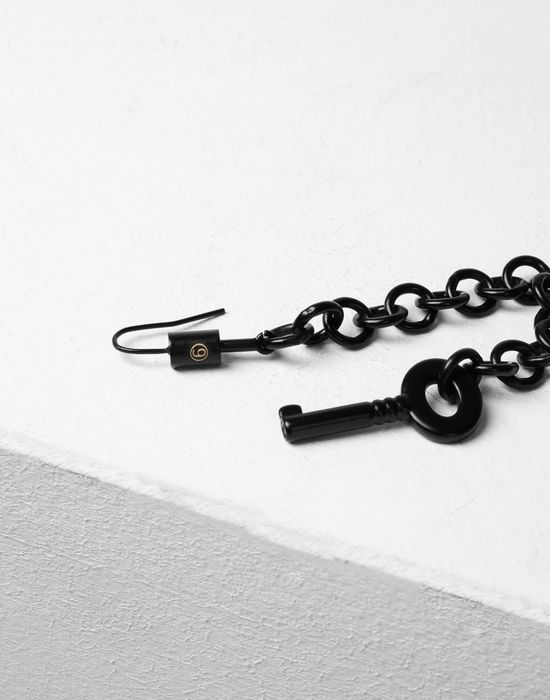 MM6 MAISON MARGIELA Black chains earrings with a padlock Earrings [*** pickupInStoreShipping_info ***] r