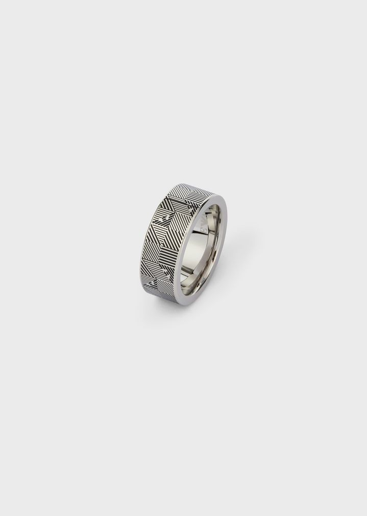 ad83d4e8fddd Steel ring with optical decorations