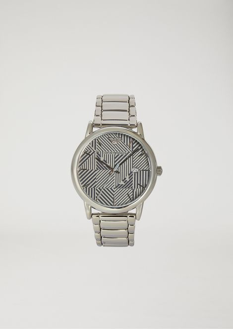 Stainless steel watch with patterned dial and three-chain strap