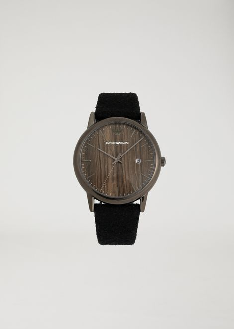 Watch with marble-effect dial