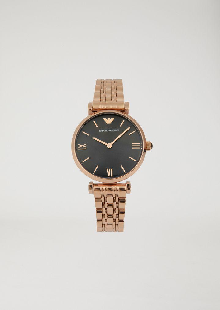 4aa13d28208c Reloj de acero con pulsera de eslabones entrelazados