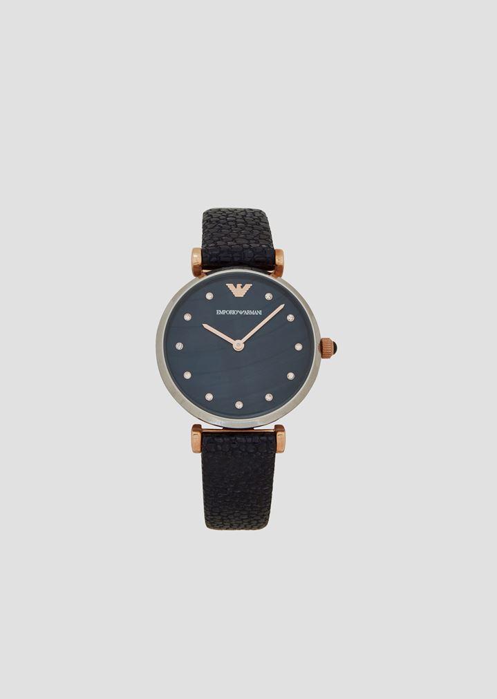 980b0a1f2e Uhr mit Kristallapplikation und Armband aus gehämmertem Leder, Gehäuse aus  Edelstahl, Krone und Zeiger mit Plattierung in Roségold