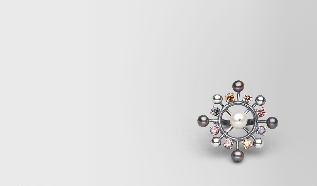 anello con perle e zirconia landing
