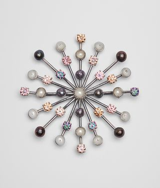 BROOCH IN PEARL AND ZIRCONIA