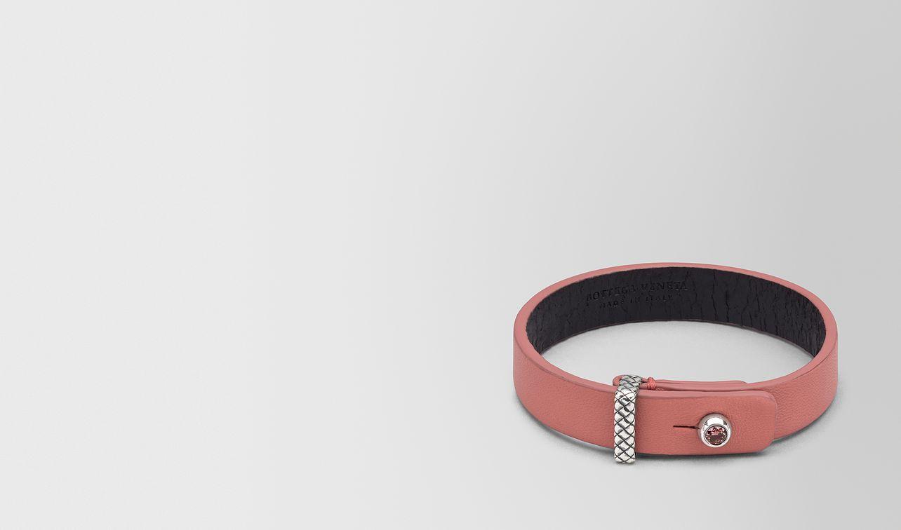 bracelet in leather  landing