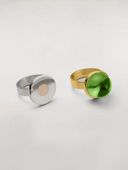 Marni Juego de dos anillos con forma de esfera y disco de metal y resina de temática MOD Mujer