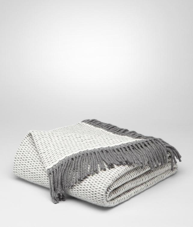 BOTTEGA VENETA Ivory Cashmere Blanket Pillow and blanket E fp