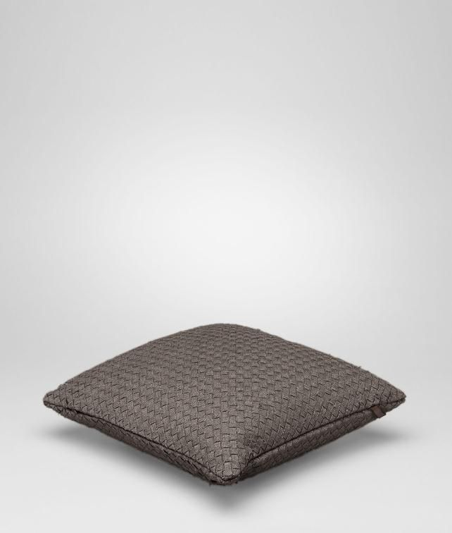 BOTTEGA VENETA Intrecciato Linen Square Pillow Pillow and blanket E fp