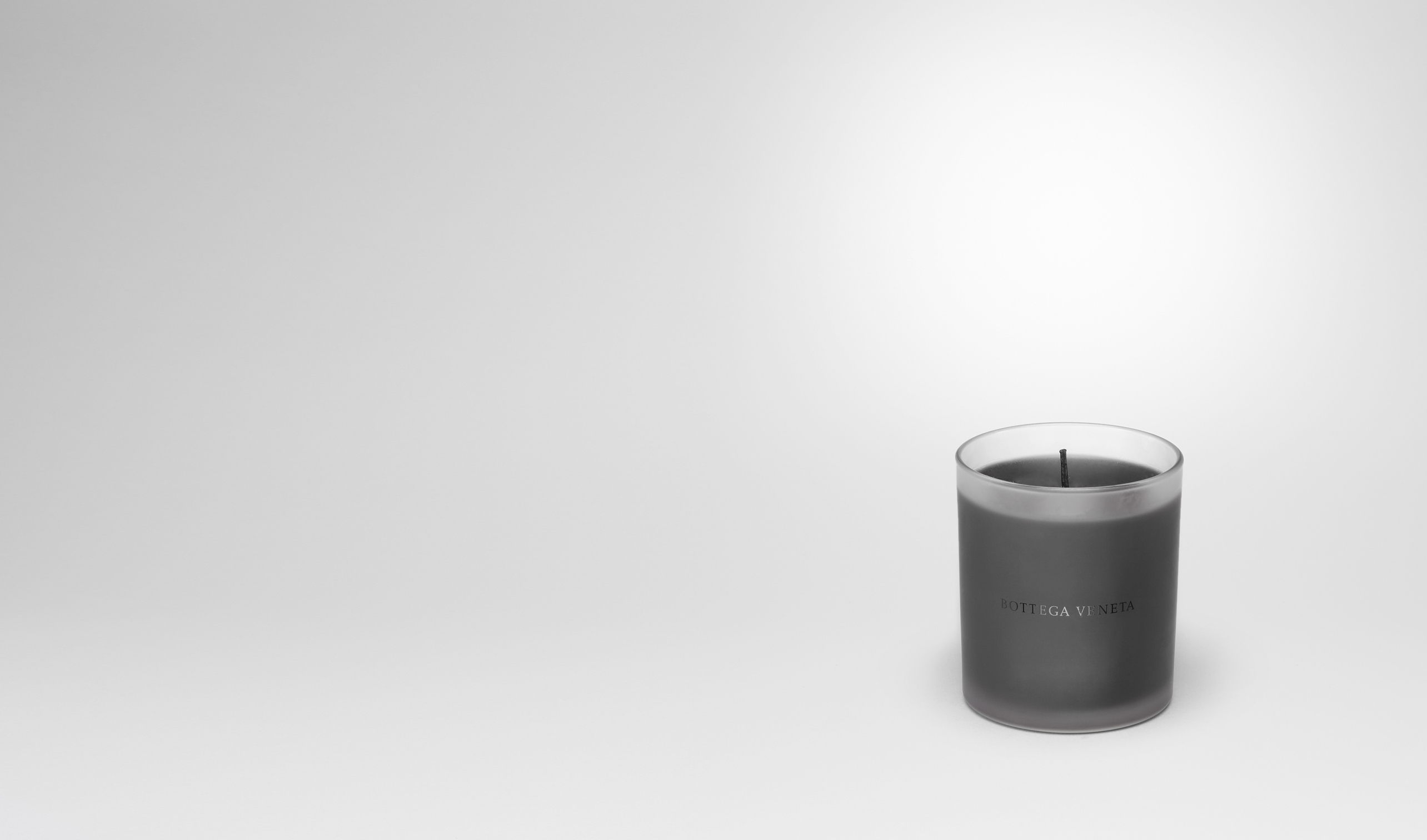 BOTTEGA VENETA Candle E Frosted Glass Boisé Candle pl