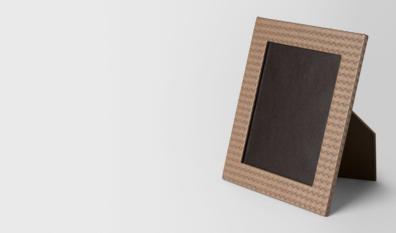 cadre photo grand format en cuir nappa intrecciato ash landing