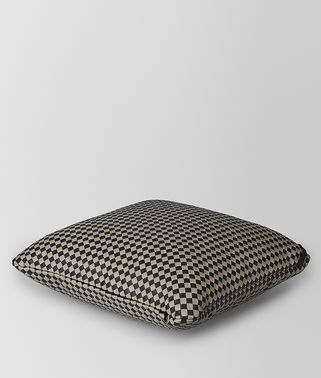 SQUARE PILLOW IN INTRECCIATO CHECKER