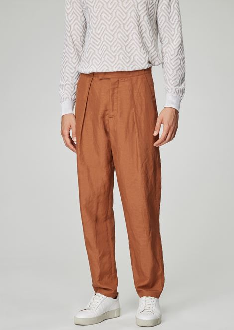 Pleated pants in linen blend fabric