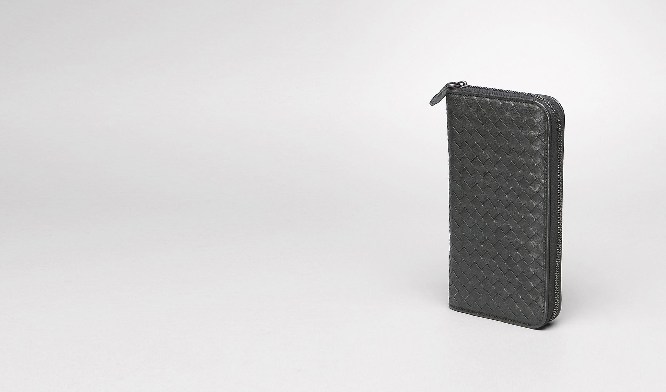 BOTTEGA VENETA Portemonnaie mit Zip E Dokumententasche aus gewaschenem Lammleder Ardoise pl