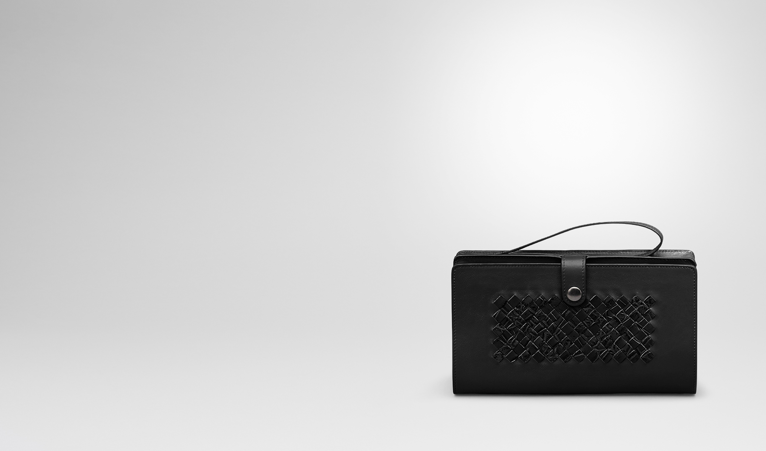 BOTTEGA VENETA Small bag U MULTI-FUNCTIONAL CASE IN NERO CALF AND CROCODILE, INTRECCIATO DETAILS pl