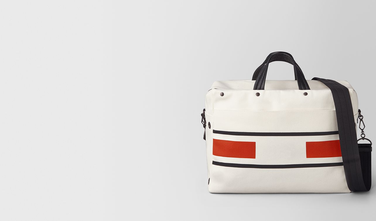 duffle bag aus canvas vialinea latte terracotta landing