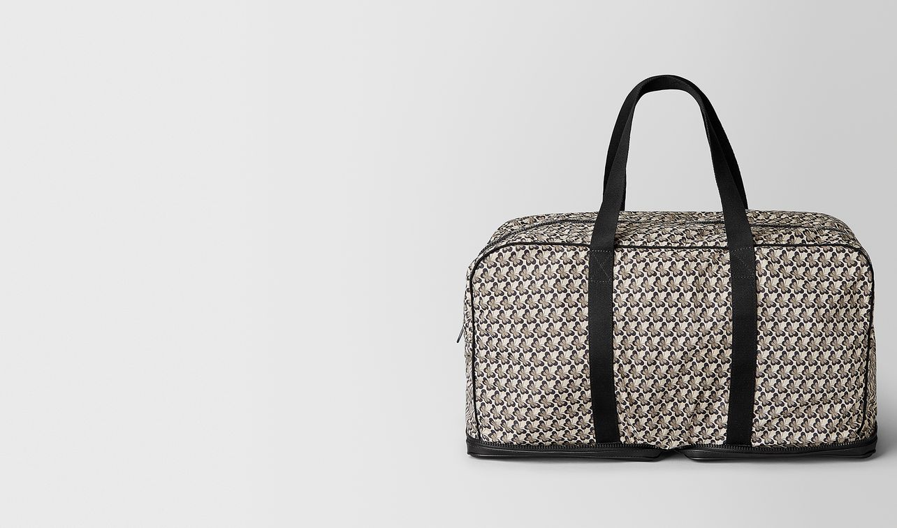 foldaway duffle in leggero and nylon	  landing