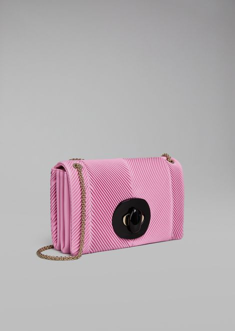 Shoulder bag in pleated leather