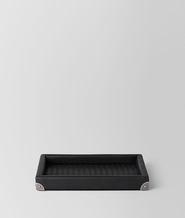 BOTTEGA VENETA TRAY IN NERO INTRECCIATO NAPPA Desk accessory E fp