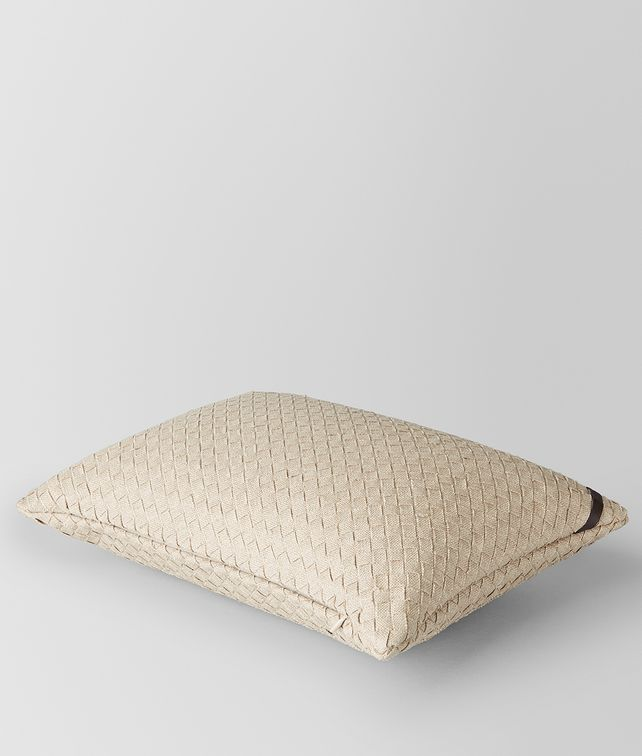 BOTTEGA VENETA PILLOW IN PALLADIO INTRECCIATO LINEN Pillow and blanket E fp