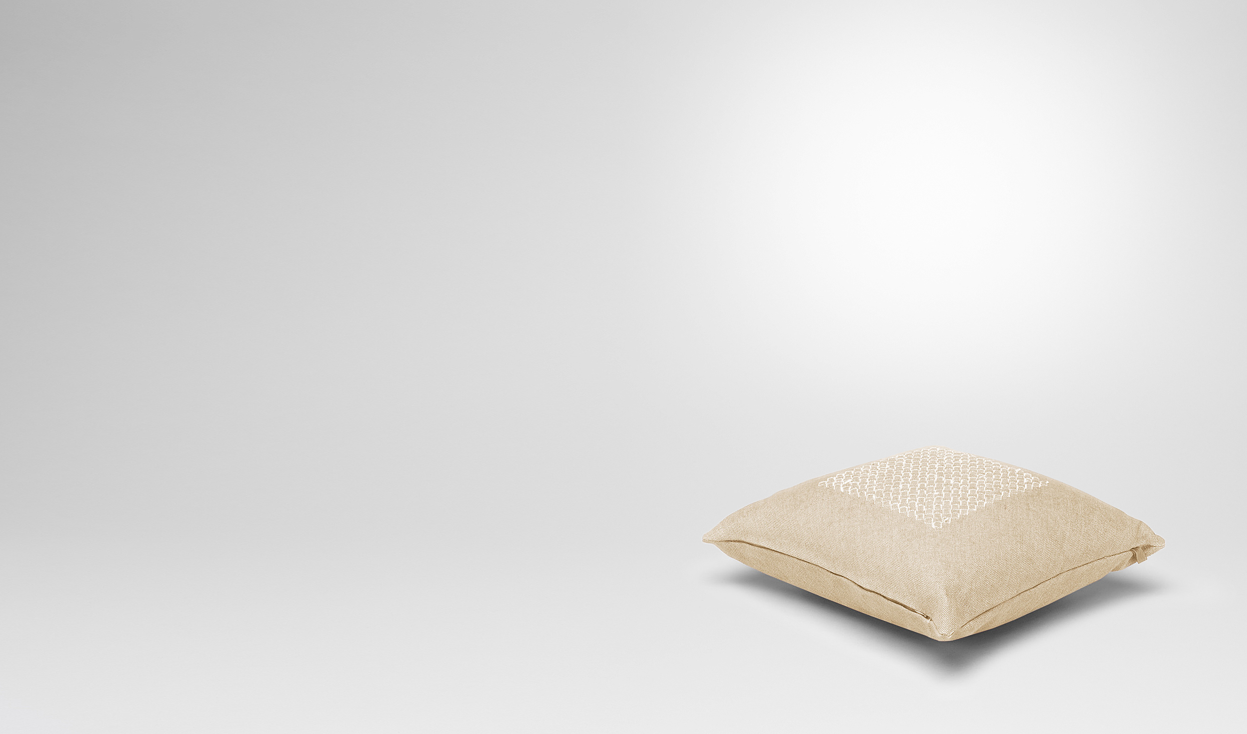 BOTTEGA VENETA Pillow and blanket E Palladio Linen Pillow pl