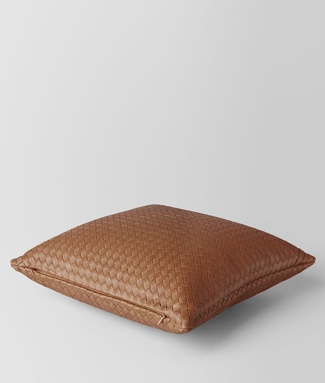 BOTTEGA VENETA NOCE INTRECCIATO NAPPA LEATHER SQUARE PILLOW Pillow E fp