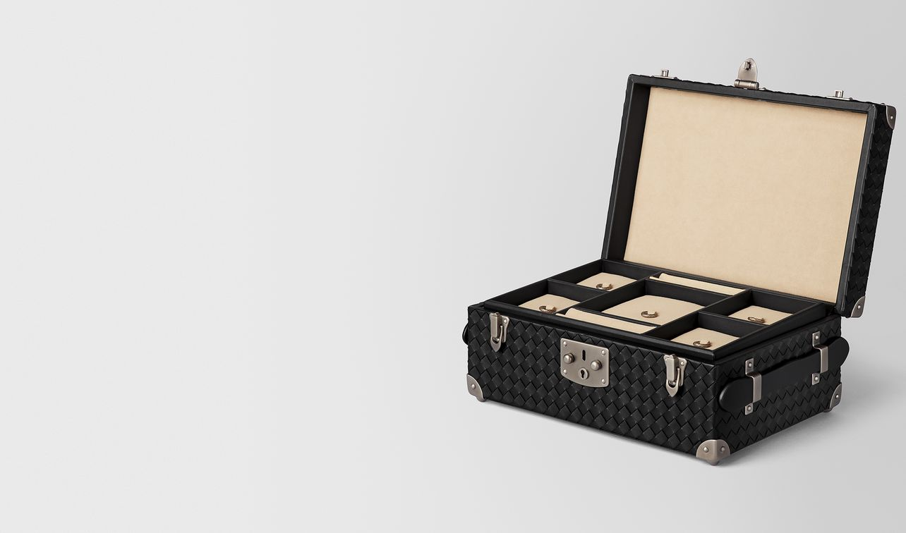 nero intrecciato nappa leather jewellery travel case landing