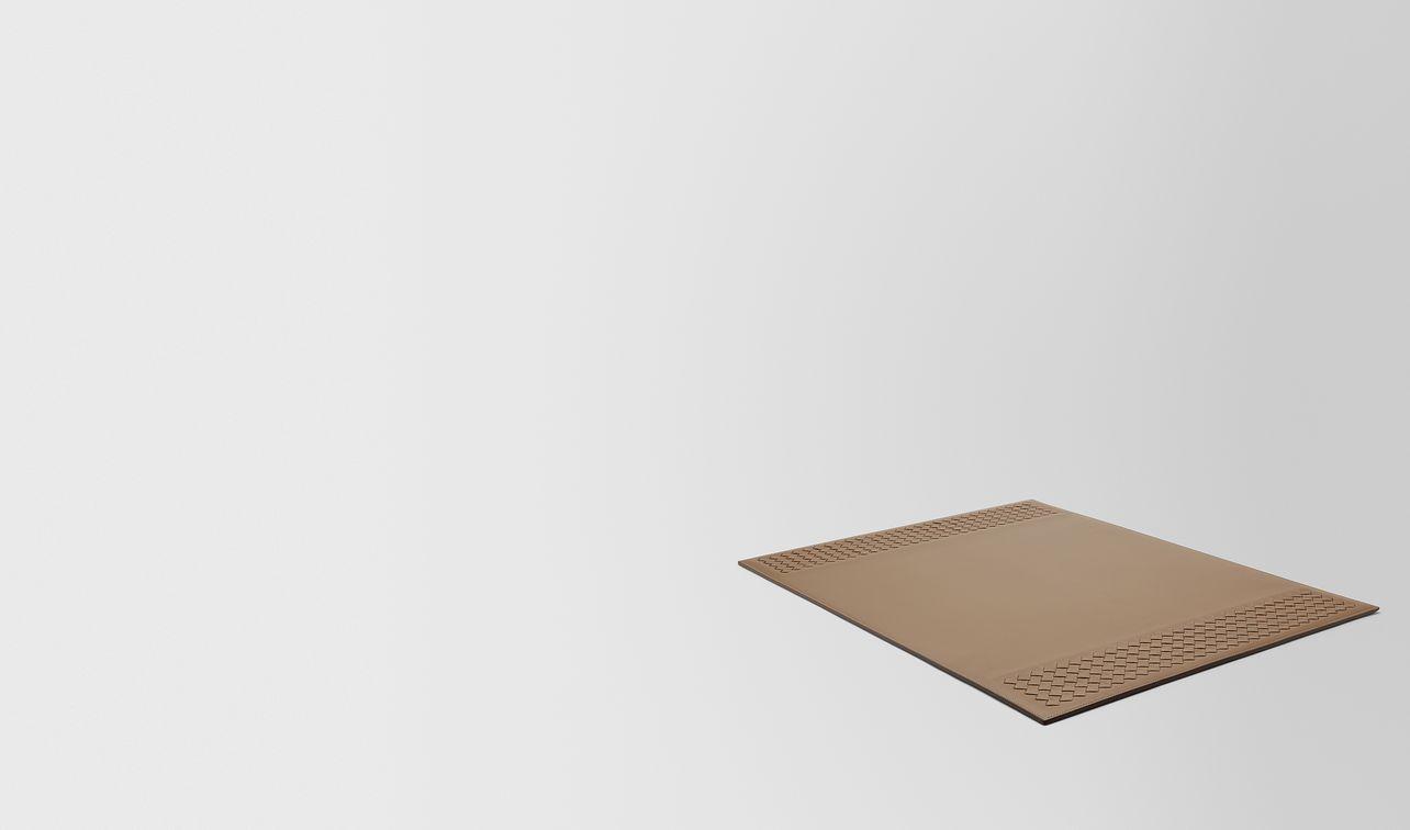 sous-main de bureau en cuir nappa ash landing