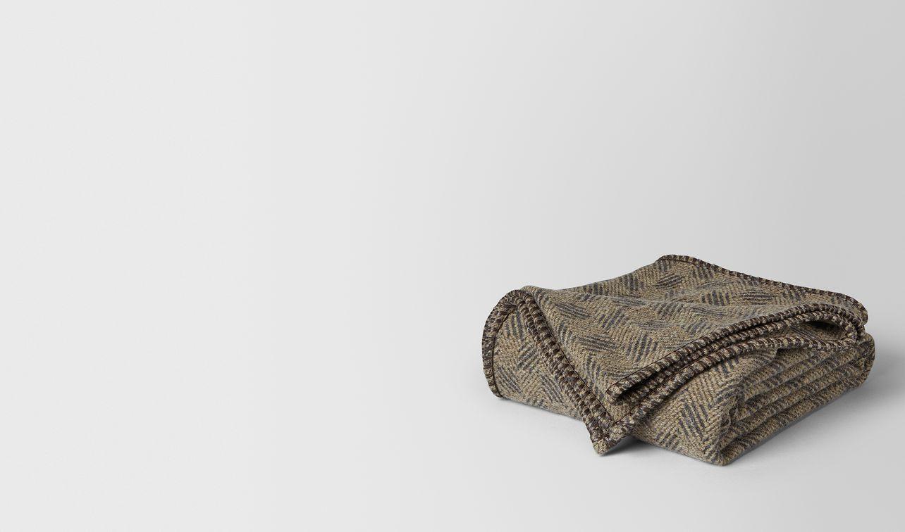 anthracite beige wool hellob blanket landing