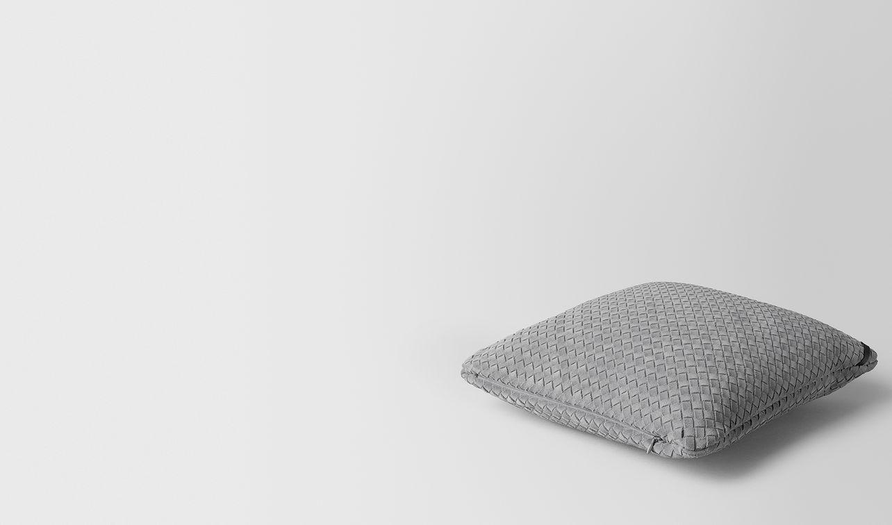 cuscino quadrato in suede intrecciato doe landing