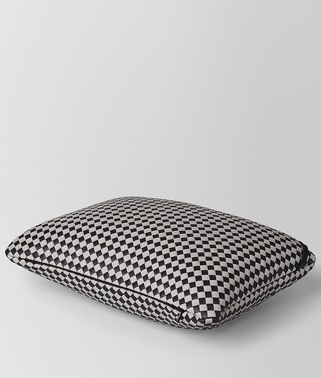 RECTANGULAR PILLOW IN INTRECCIATO CHECKER