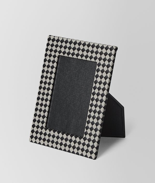 BOTTEGA VENETA MEDIUM PHOTO FRAME IN INTRECCIATO CHEQUER Photo frame E fp