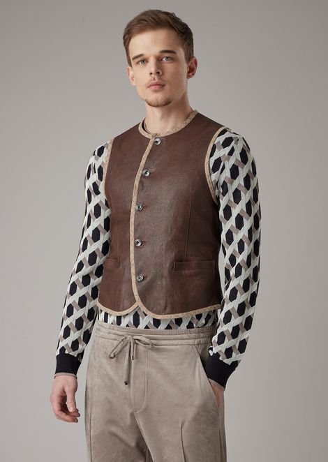 Gilet in vegetable-tanned, garment-washed lambskin nappa leather