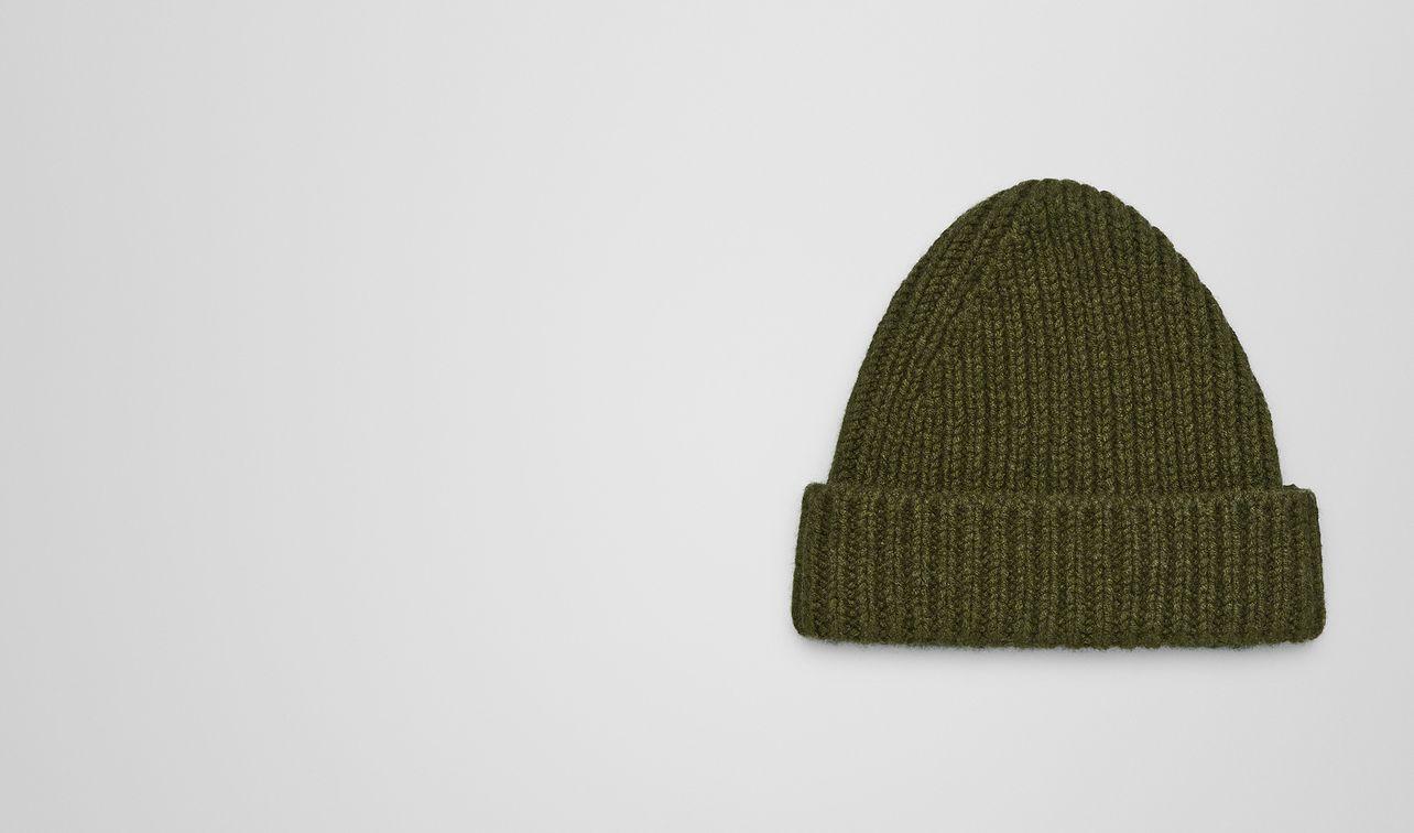 cappello in cashmere landing