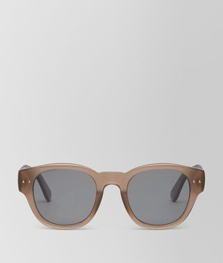 SUNGLASSES IN CRYSTAL BROWN ACETATE, SOLID GREY POLAR LENS