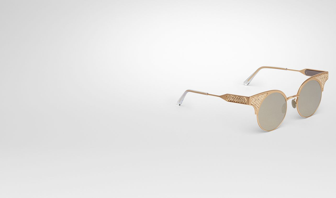bv15 sunglasses in gold titanium, light mirror gold lens and gold 18kt intrecciato details landing