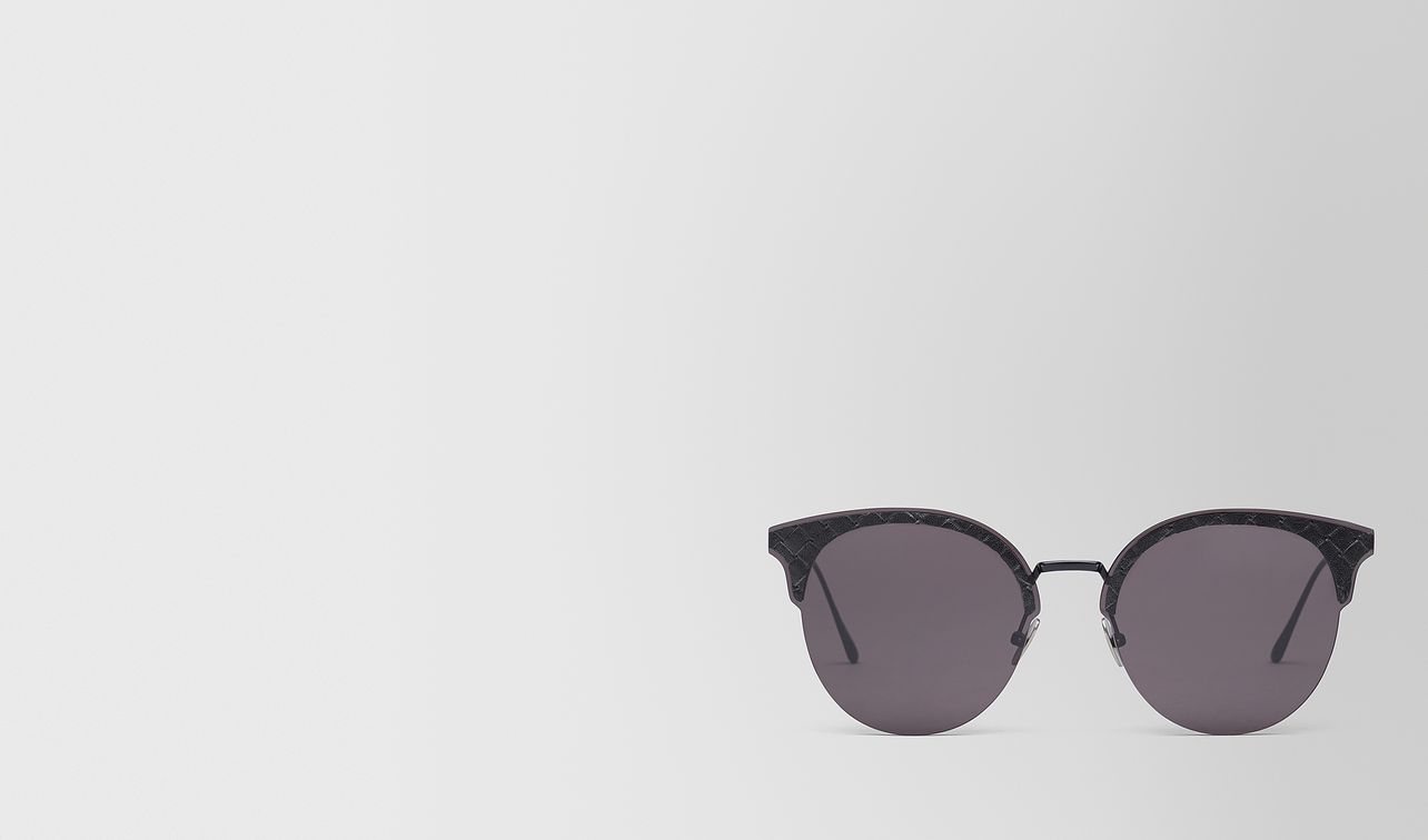 nero metal sunglasses landing