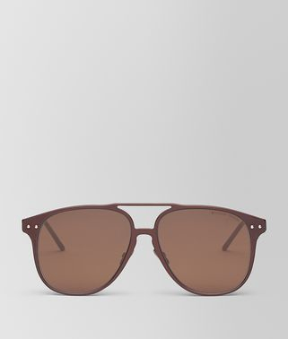 SONNENBRILLE AUS ALUMINIUM IN BROWN