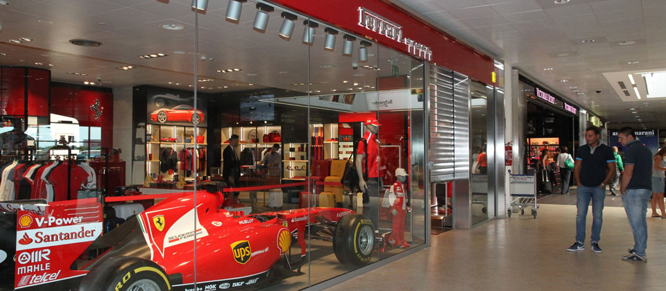 9d86ce11b3 Scuderia Ferrari Points De Vente | Ferrari Boutique Officielle